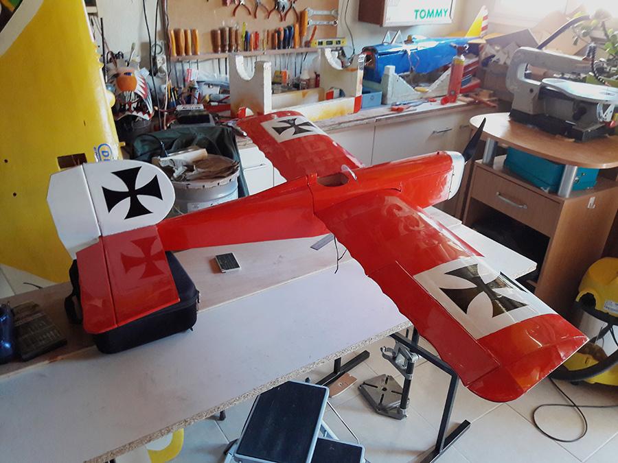 avion rouge2